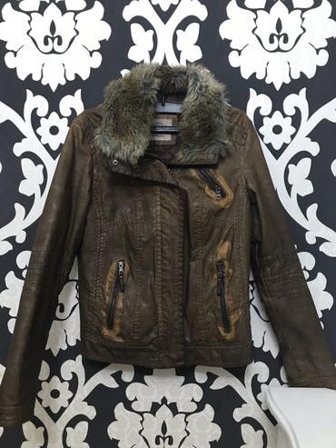 BERSHKA jakna, veštačka koža, krzno može da se skida, minimalna - Stara Pazova