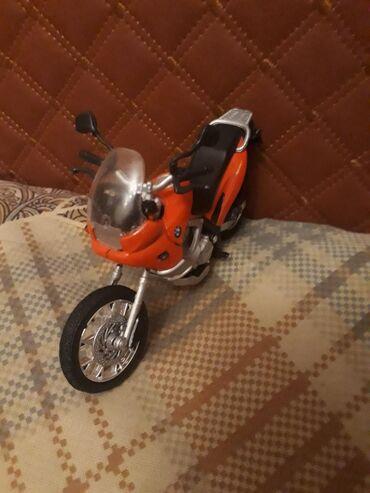 Продаю модельку железного мотоцикла. Цена 400с. Асанбай