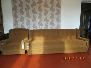 Продаю б/у мягкую мебель.. диван+ два в Бишкек