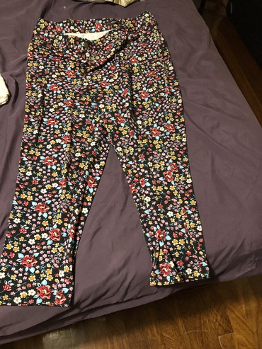 Candy couture capris XL!  σε Nea Smyrni