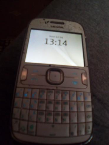 Mobilni telefoni | Varvarin: Nokia asa 302 vip mreza drzi bateriju 3 dana