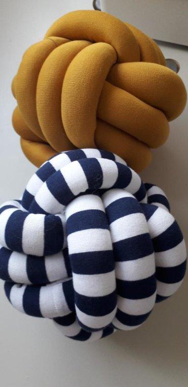 Kućni dekor - Zrenjanin: Jastuk klupko Jastuk neobicnog oblika ukrasice svaki prostor u kome se