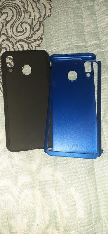 Samsung A20.telefon qablari Qara ve qirmizi rengArxa ve qabaği tutur