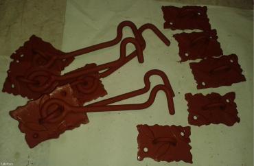 Prodajem 5-pari metalnih zakački/kuka/ za vrata i kapije sa - Nova Pazova