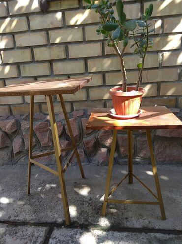 stol i taburetki na kuhnju в Кыргызстан: Продаю подставки для цветов, высота 57см и 71см