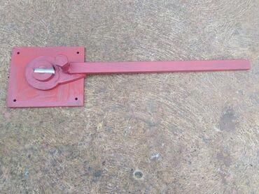 Strug za metal - Srbija: Pikerica -ključ za savijanje armature do 10 mm, ploča debljine 15 mm x