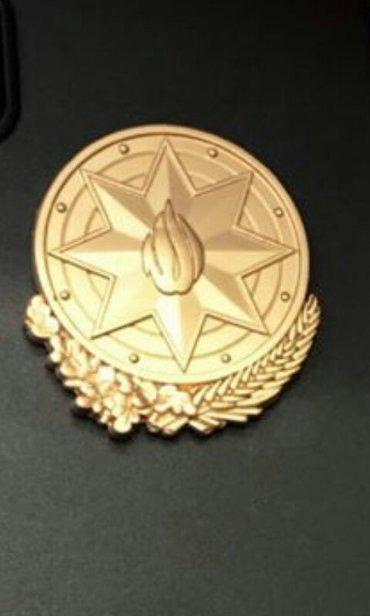 Bakı şəhərində Gerb emblem.
