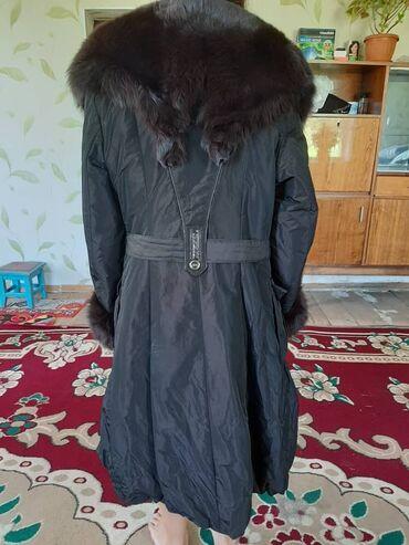 Женские пальто в Бишкек: Пицец куртка сатылат. 1-2 жолу эле кийилген. Баасы 4000сом. Тел