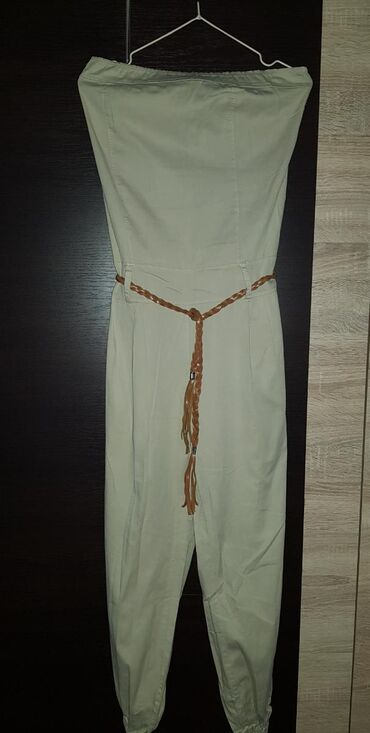 Ženska odeća | Negotin: Bez top kombinezon, na etiketi pise L, ali mere su: grudi 40cm, struk