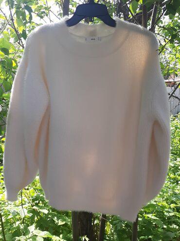 Модная кофта от Манго, мягкая и пушистая,не колючая, в отличном