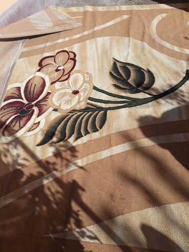 Продаётся ковёр  Длина:6 метр Ширина:3,5 метр