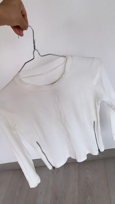 Белые кофты(новый)  Размер:стандарт