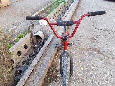 детский велосипед bmx 16 в Кыргызстан: Продаю велосипед БМХ (BMX) Состояние: 9/10Переднее колесо