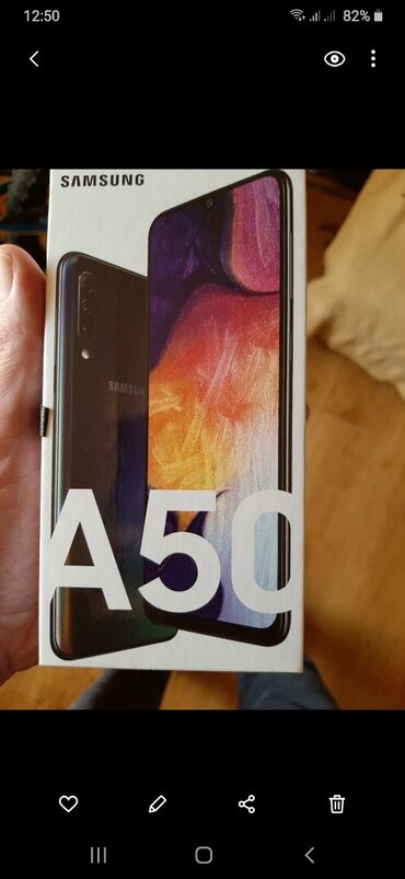 Mobilni telefoni - Kragujevac: Upotrebljen Samsung A50 128 GB crno