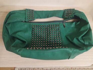 Кожанная сумка в идеальном состоянии вместительная, удобная