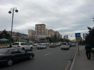 Bakı şəhərində Под супермаркет мебельный салон 1 этаж