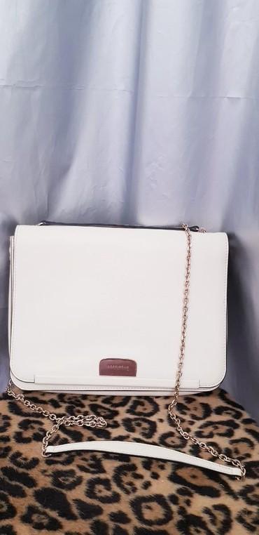 стильные куртки женские в Кыргызстан: Женская сумочка бренда Coccinelli. Новая, не ношеная. очень стильная