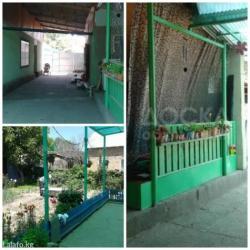 Продается добротный,очень уютный дом,3 комнаты + отдельн 2х комнатная  в Бишкек