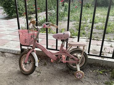 Спорт и хобби - Кировское: Продаю велосипед для девочки 3-4года.  Самовывоз из Канта  Состояние о