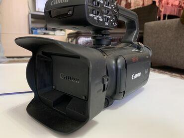 Видеокамера флешка - Кыргызстан: Продаю профессиональную видеокамеру Canon XA11 Входит в тройку лучших