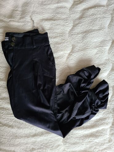Pantalone elegantne - Srbija: Elegantne pantalone CHOCCOVeličina: 40Cena: 800 dinara50% Polyester47%
