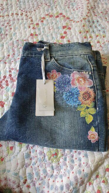 Новые джинсы на девочку 11-12 лет, из Италии. Цена: 1300