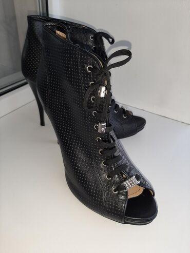 Новая обувь !Тел: Чёрные ботиночки на шпильке- 9 см, кожаные, размер