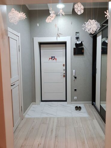 жеке менчик в Кыргызстан: Индивидуалка, Студия, 52 кв. м Теплый пол, Бронированные двери, Дизайнерский ремонт