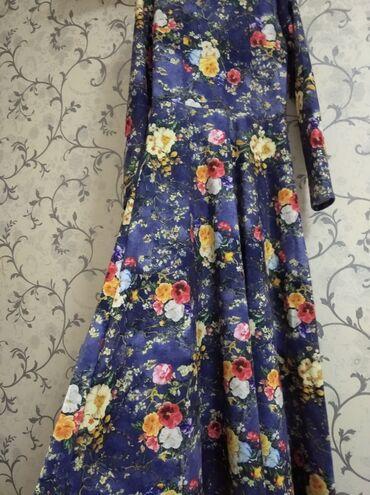 audi allroad 42 quattro в Кыргызстан: Продаю платье .распродажа. размер 42. Нарядный, тёплый