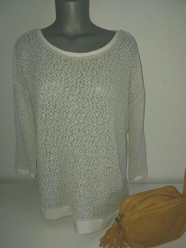 Crnogorska nosnja - Srbija: Sinsay bluza veličina Xl. Supljikava, veoma prijatna za nosnju