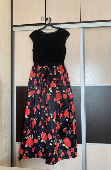 Продаю красивое турецкое платье размер М .46-48 размер. Одевала всего