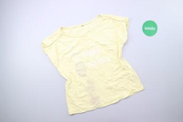 Личные вещи - Украина: Жіноча футболка з принтом р. М    Довжина: 54 см Ширина плечей: 36 см