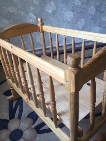 Продаю кроватку люльку из дерева. Новая. Цена 4000 сом. Тел в Бишкек