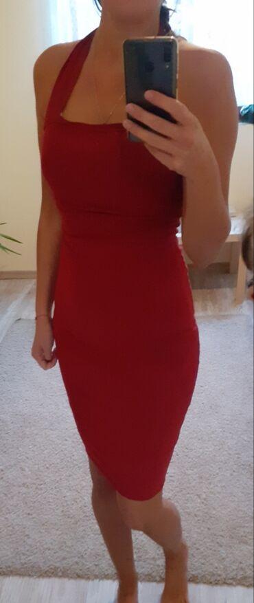 Prelepa crvena haljina . Nova