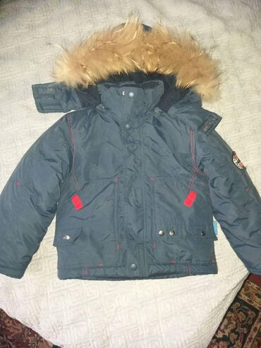 Куртка 3-4 жаш 800 сом