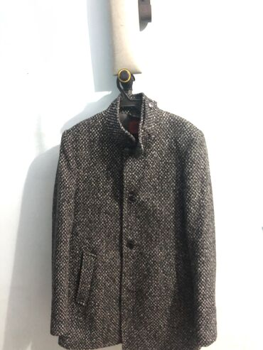 sumka firmy david jones в Кыргызстан: Продаю мужское стильное Пальто Покупался в магазине Ted David за 5900