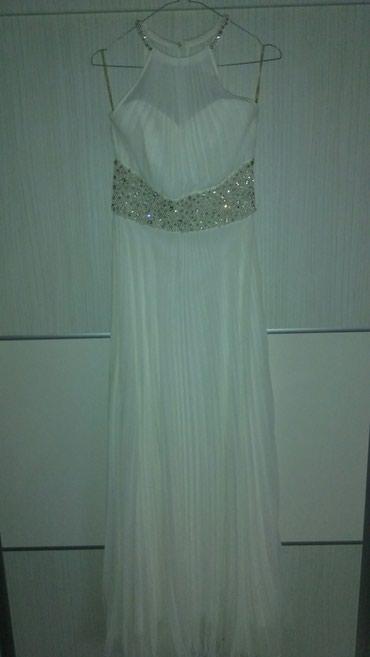Prelepa haljina,vencanica,idealna kombinacija za matursku