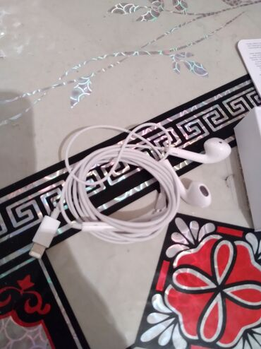 купить бус сапог в бишкеке в Кыргызстан: Срочно продаю наушник от apple оригинал 100% купил в бишкек парке за