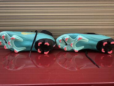 Butslar - Azərbaycan: Nike CR7 Butsi Razmer 40.5 Qiyemet sondur Hec islenmeyib Originaldir X