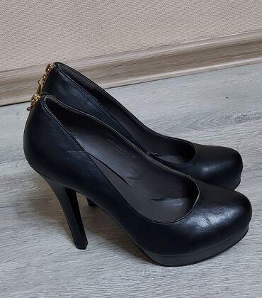 700 с. Новые туфли. Размер 39