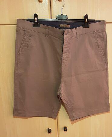 Βερμούδα, size 46, χρώμα : μπεζ - καφέ, καινούρια.Έχει τσέπες στο πλάι
