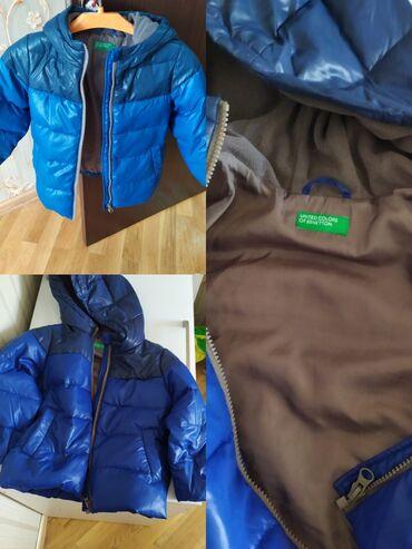 qış üçün uşaq paltoları - Azərbaycan: Benetton firmasının kurtkasidi oğlan üçün 4-5yash. Heç bir dəfecti
