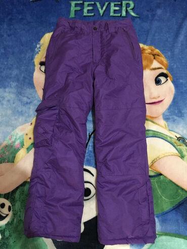 Okay ski pantalone, vel.152. LJubičasto, guma u pojasu za podešavanje
