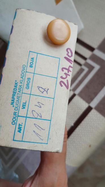 Dugmad za manzetne - Srbija: Dugmad boja na slici  288 komada cena za celu kutiju