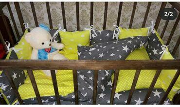 купить качалку детскую в Кыргызстан: Продаю детскую кроватку. Бортики желто-серые на 3 стороныпростынь на