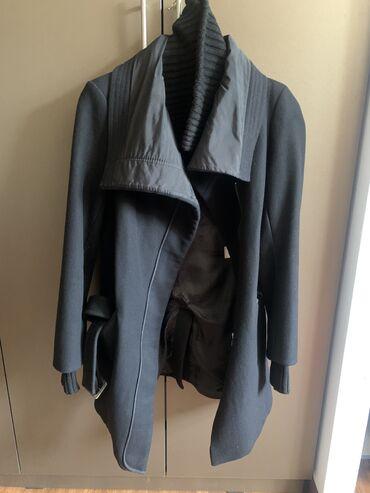 Продам женское пальто на (повседневку) 38 р свободного кроя, замок