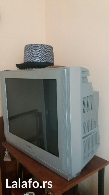 Samsung x500 - Srbija: Tv. Samsung. 82 ekran. Već dugo van upotrebe. Potrebna oporavka i