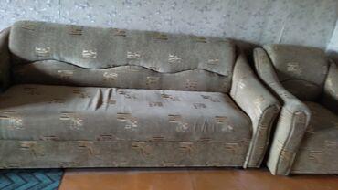 62 объявлений: Продаю б.у мебель. Диваны с креслами. кровати односпальные