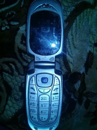 Samsung sgh-x480 bu telefonun bateika prablemi var baterikasi şişib в Sumqayıt