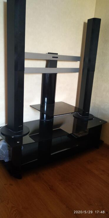 Televizor altlığı.приставка для телевизора